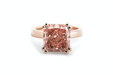 Lab-grown pink diamond embed