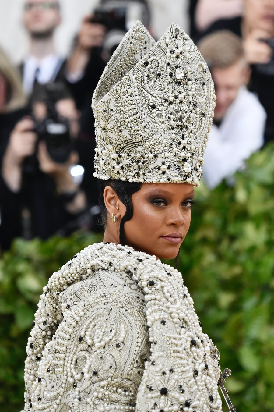 Rihanna - Met Gala eyebrows
