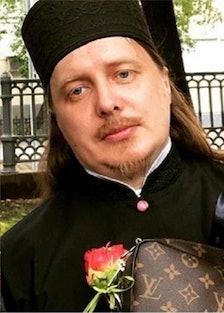 priest-lv-gucci.jpg