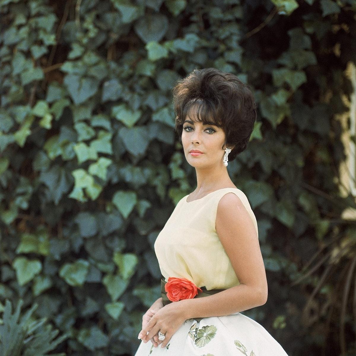 'Elizabeth Taylor in Yellow with Ivy, Side 1', 1961, Mark Shaw.jpg