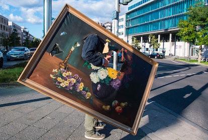 GERMANY-OFFBEAT-ART-PAINTING