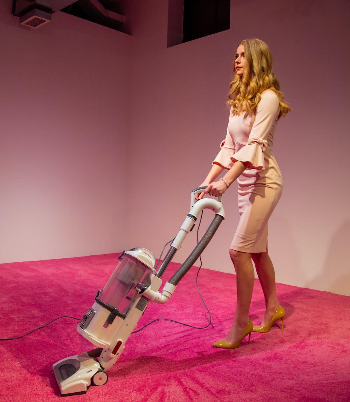 ivanka-vacuuming-3.jpg