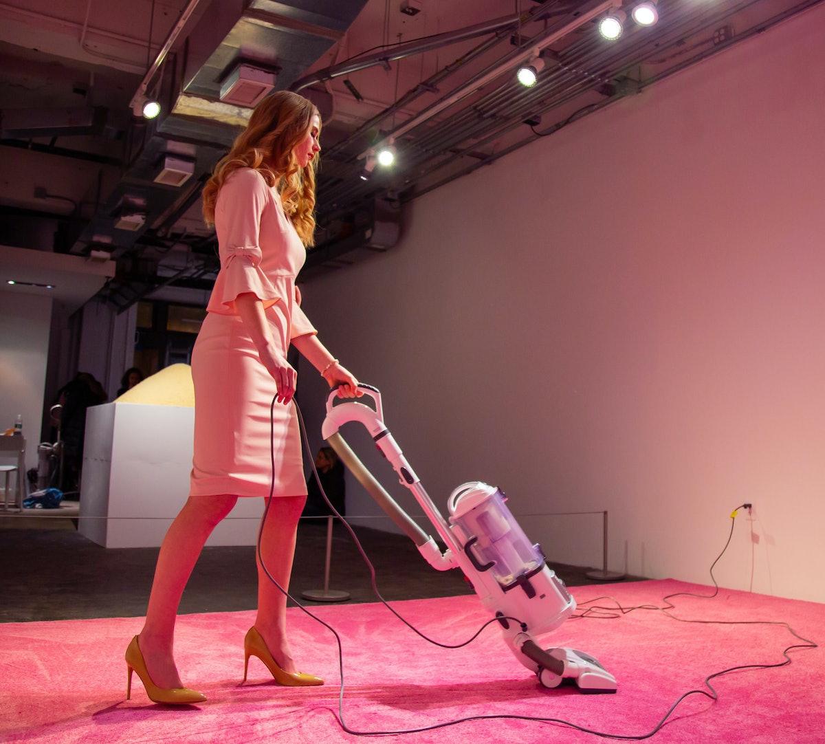 ivanka-vacuuming-2.jpg