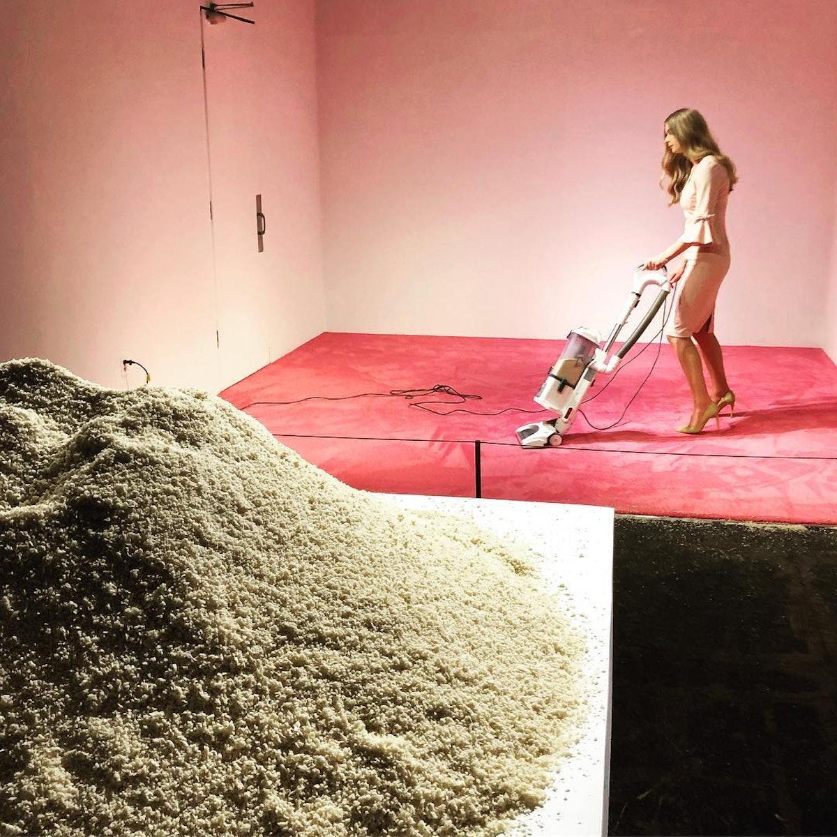 ivanka-vacuuming-insta.jpg