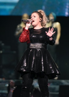 Kelly Clarkson With Brynn Cartelli, Kelsea Ballerini In Concert - Los Angeles, CA