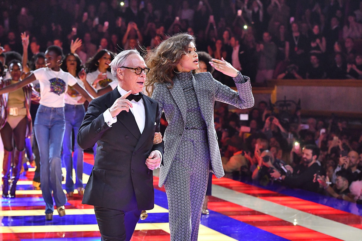 Tommy Hilfiger TOMMYNOW Spring/Summer 2019 : TommyXZendaya Premieres - Runway At The Theatre Des Cha...