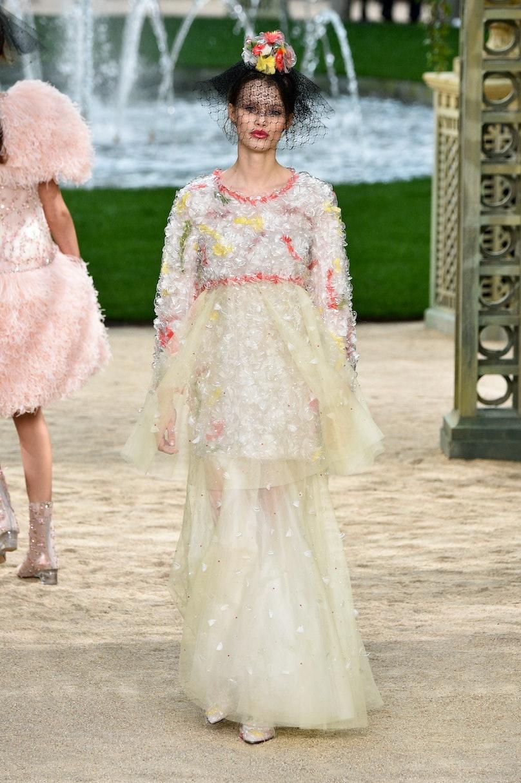 Chanel : Runway - Paris Fashion Week - Haute Couture Spring Summer 2018
