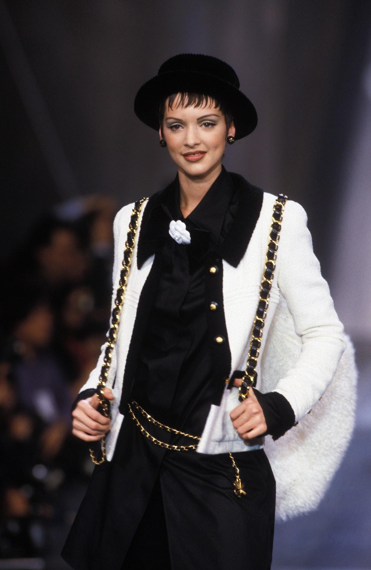 Défilé Chanel Prêt-à-porter Automne-Hiver 1993-1994