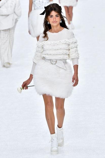 Chanel - Runway - Paris Fashion Week Womenswear Fall/Winter 2019/2020