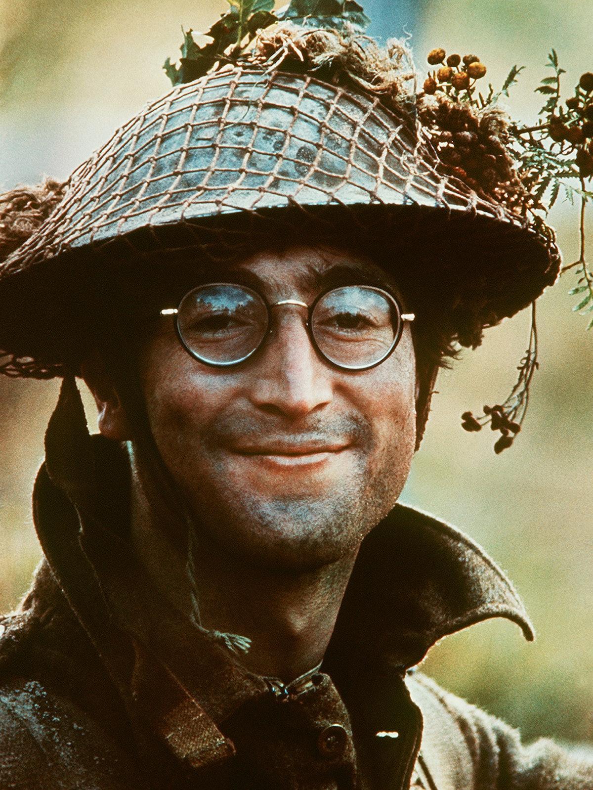 John-Lennon-1966.jpg