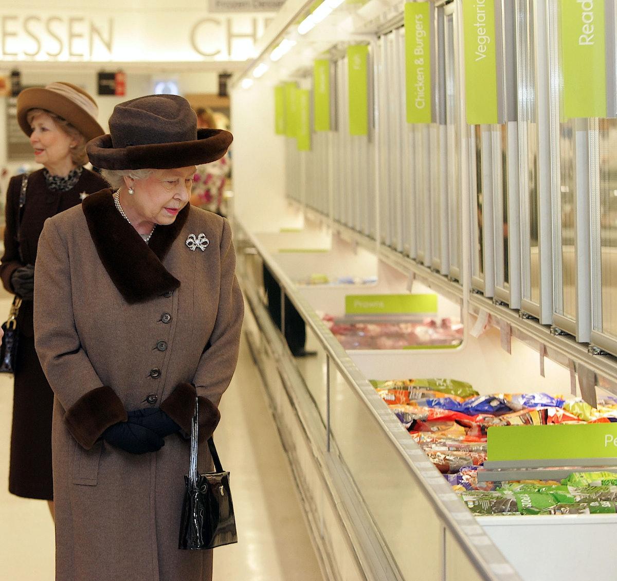 Queen Elizabeth II At King Edward Court Shopping Centre