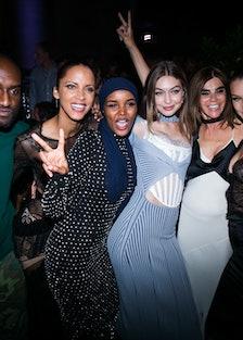 CR RUNWAY LVR90_Virgil Abloh, Noemie Lenoiroff, Halima Aden, Gigi Hadid, Carine Roitfeld, Bella Hadi...