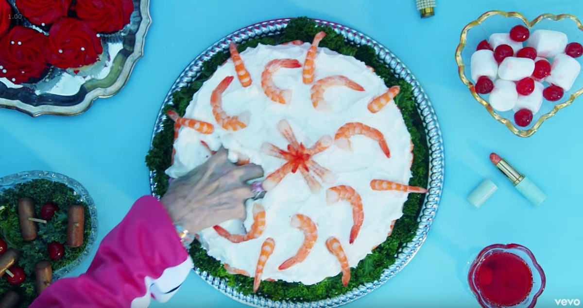 taylor-swift-shrimp-cake.jpg