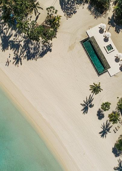 https___hypebeast.com_image_2019_06_airbnb-luxe-1-million-usd-rental-home-island-villas-luxury-1.jpg