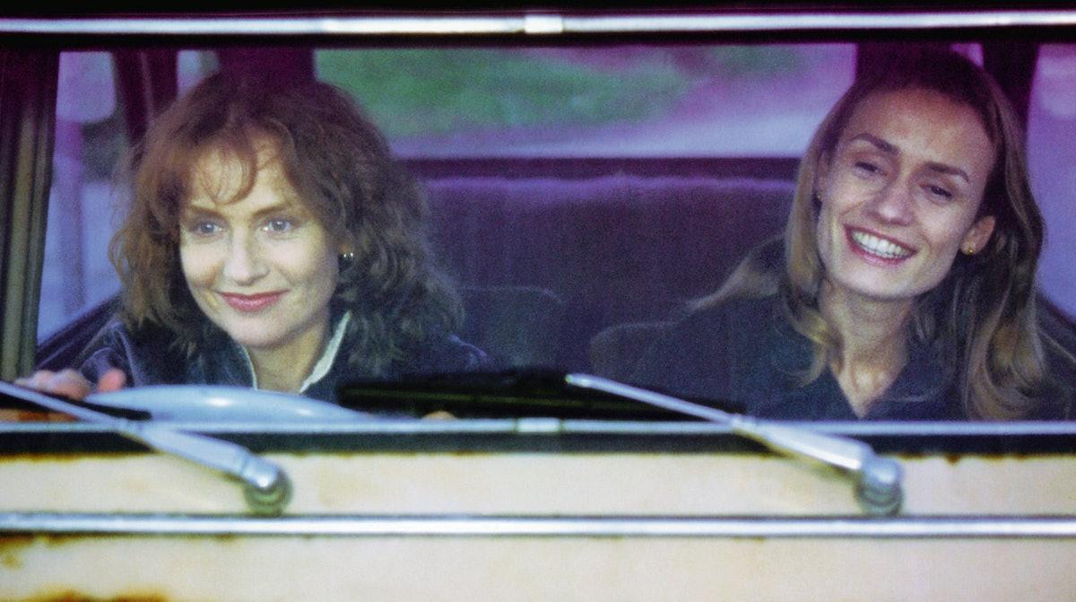 LA CEREMONIE, from left: Isabelle Huppert, Sandrine Bonnaire, 1995, © New Yorker/courtesy Everett Co
