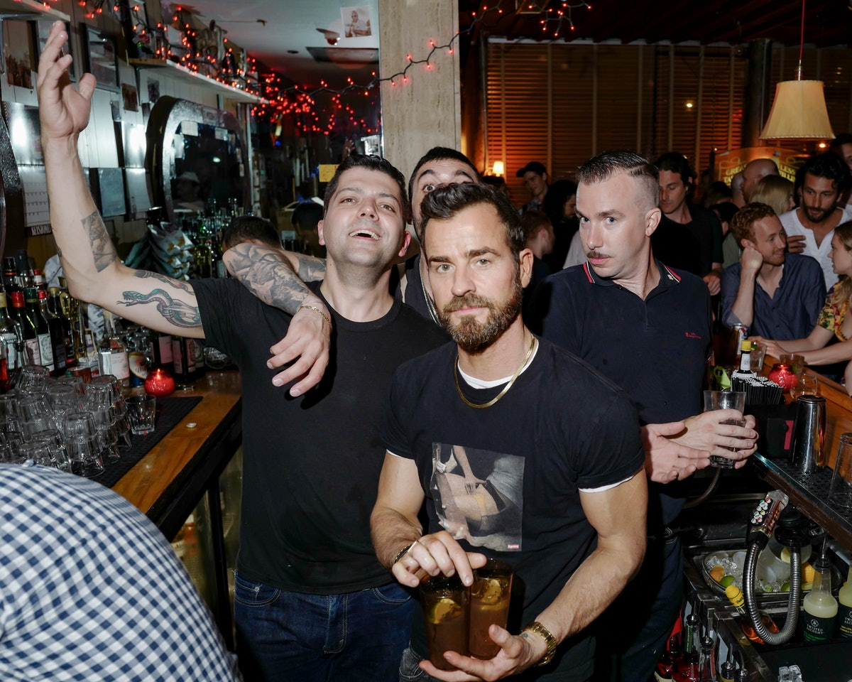 LAUNCH PARTY FOR RAY'S :THE LES DIVIEST NEW DIVE BAR
