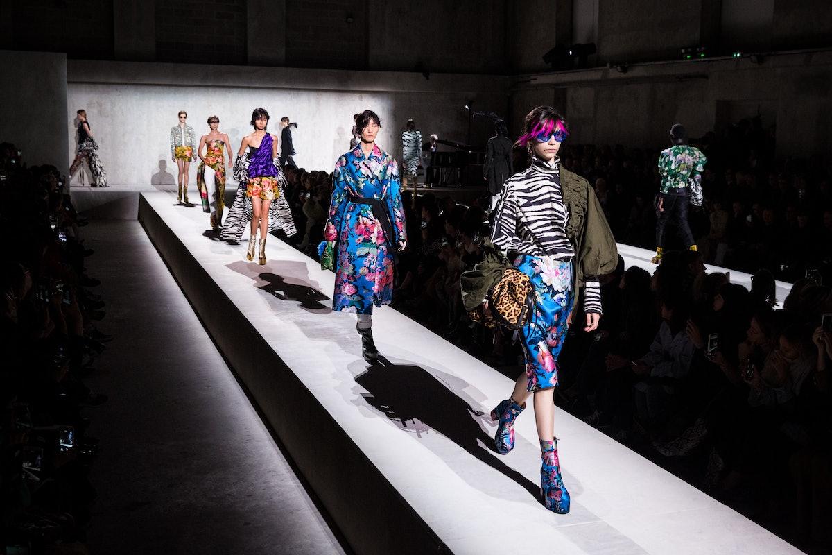 Dries Van Noten : Runway - Paris Fashion Week - Womenswear Spring Summer 2020