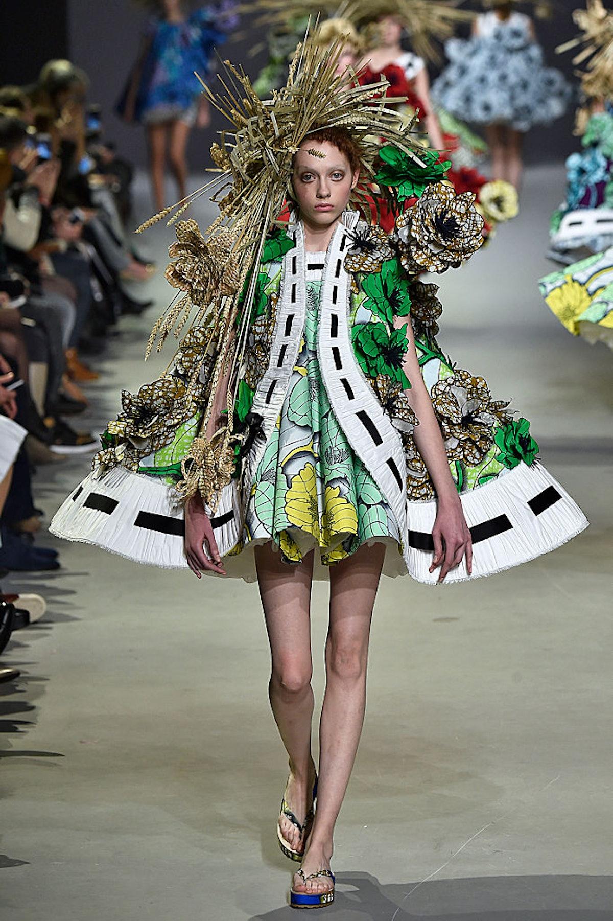Viktor&Rolf : Runway - Paris Fashion Week - Haute Couture S/S 2015