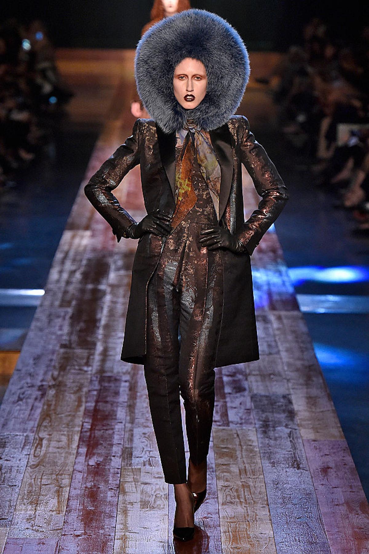 Jean Paul Gaultier : Runway - Paris Fashion Week - Haute Couture Fall/Winter 2016-2017