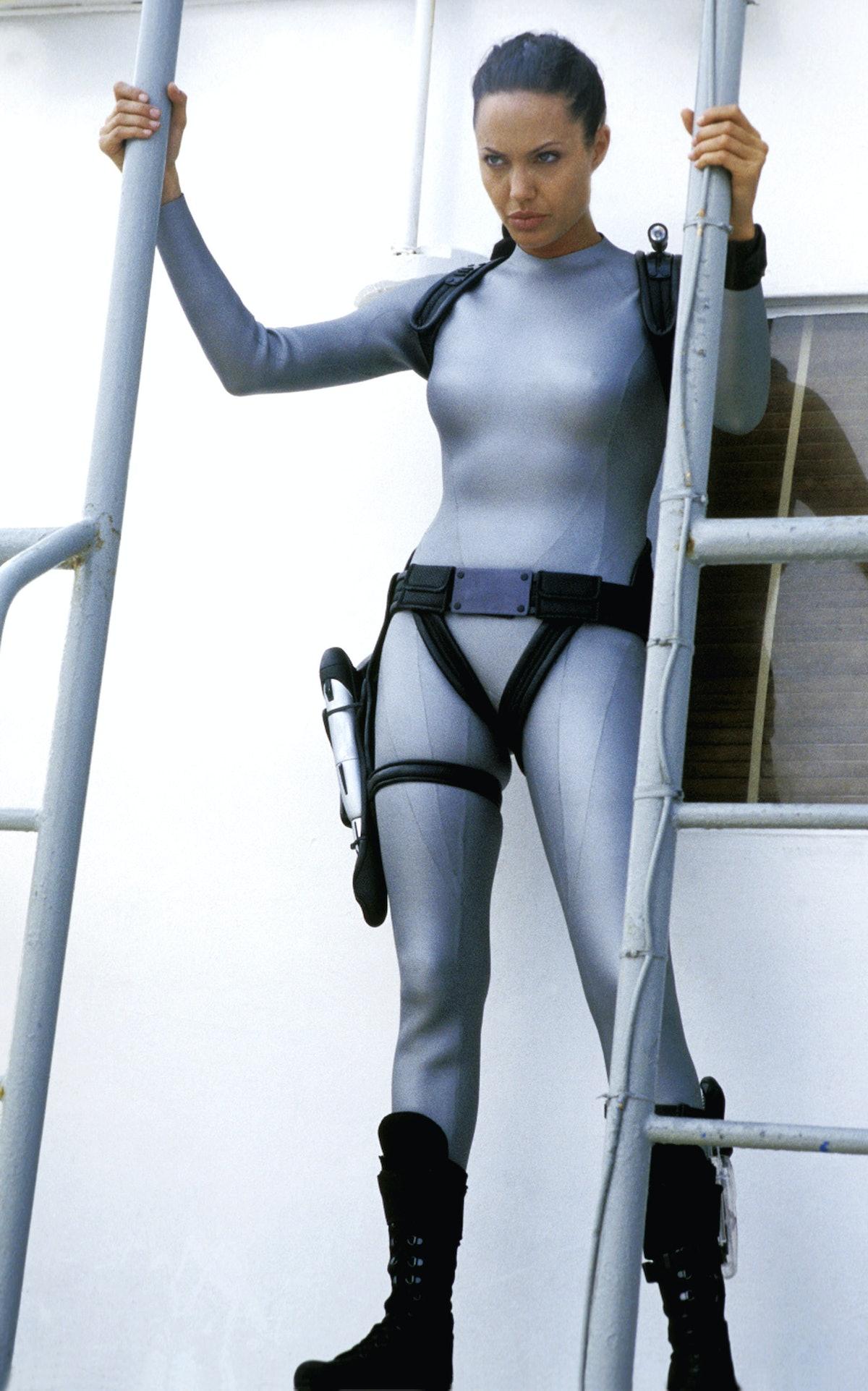LARA CROFT TOMB RAIDER: THE CRADLE OF LIFE, Angelina Jolie, 2003, (c) Paramount/courtesy Everett Col
