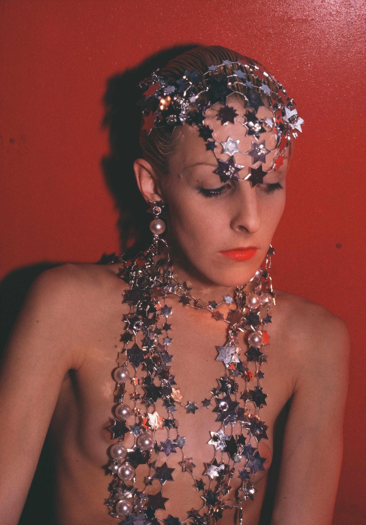 53_Greer modeling jewelry, NYC 1985.jpg