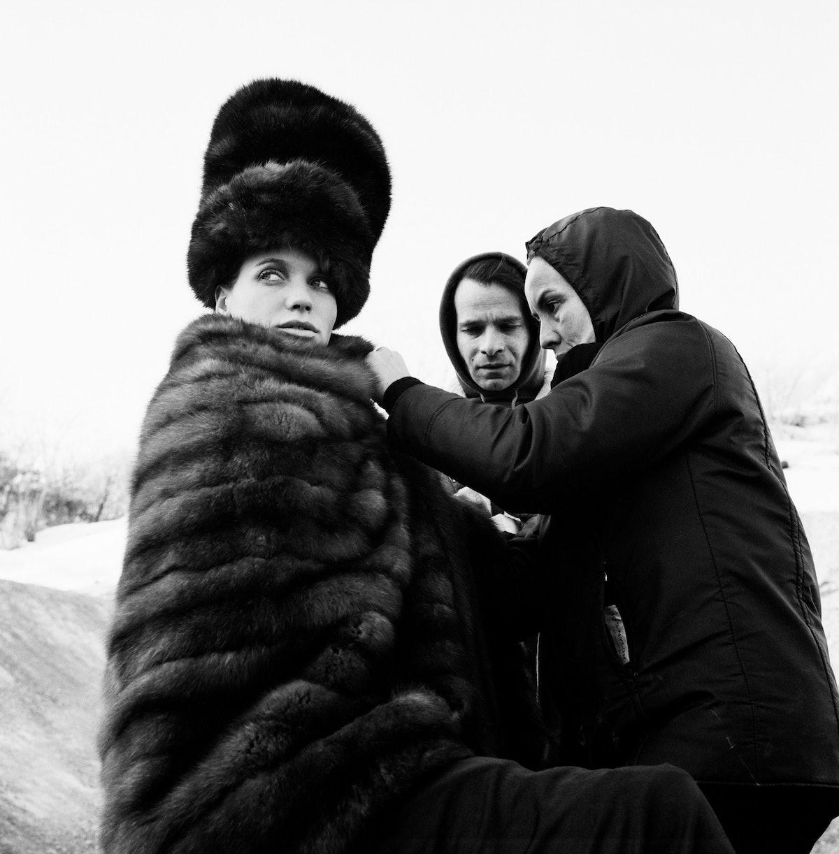 Veruschka+Ara Gallant+Polly Mellen 1966©Gideon Lewin.jpg
