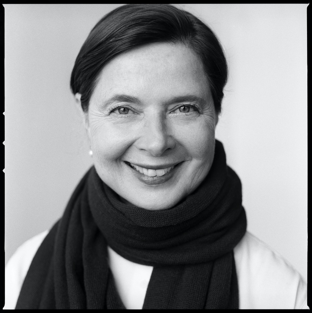LACOMBE_17081_ISABELLA_ROSSELLINI_BL_4A_15_16_A_CHOICE_G.JPG