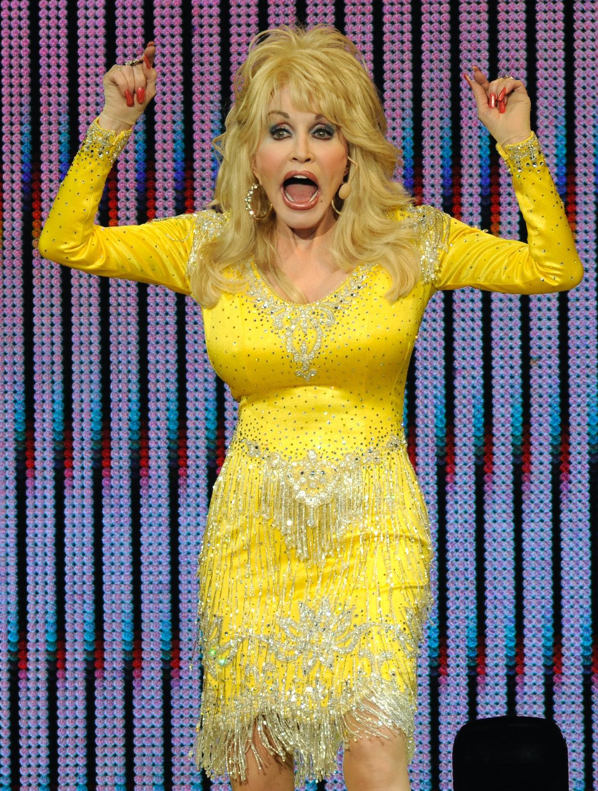 Dolly Parton In Concert - Concord, CA