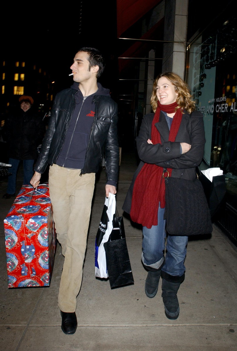 Drew Barrymore And Fabrizio Moretti Shop On Christmas Eve