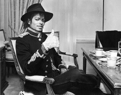 Pop star singer Michael Jackson giving the 'thumbs