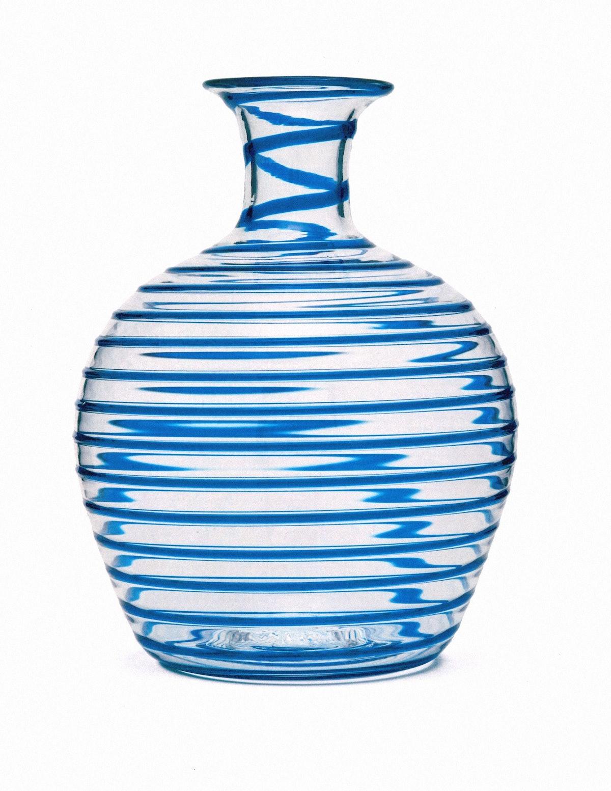 10_Yali Glass Vase .JPG