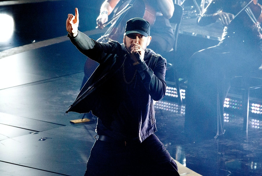 Eminem performing at the 2020 Oscars