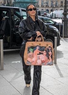 Kim Kardashian carrying a Birkin