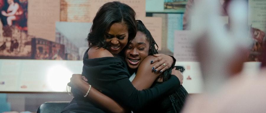 michelle obama hugging