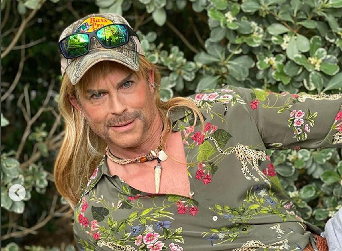 Rob Lowe dressed as Joe Exotic.