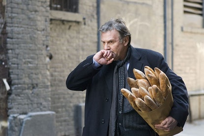 Iconic baguettes scene in Michael Clayton