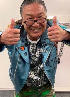 Kansai Yamamoto giving two thumbs up
