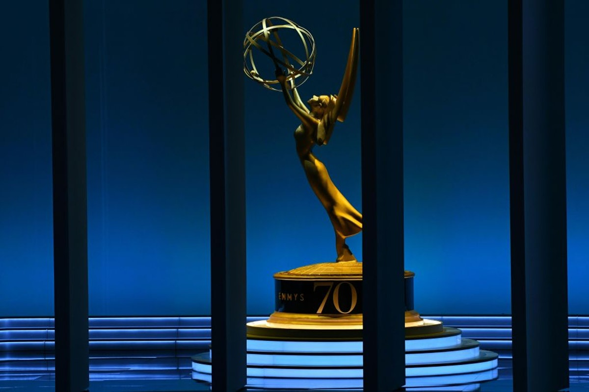 A giant Emmy statue.