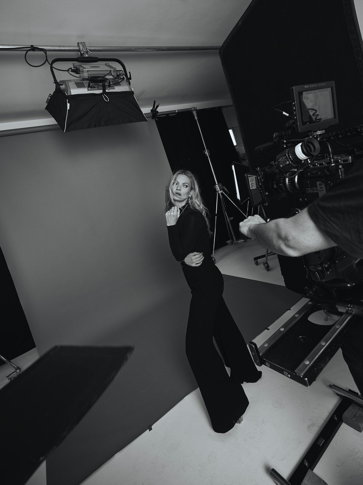 BTS KATE MOSS FOR MESSIKA SHOT BY MARIN LABORDE (7)