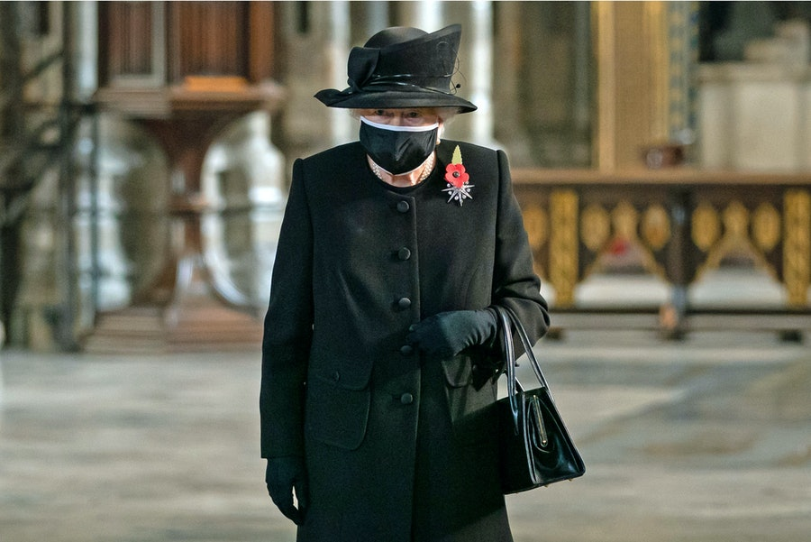 Queen Elizabeth II wearing a face mask