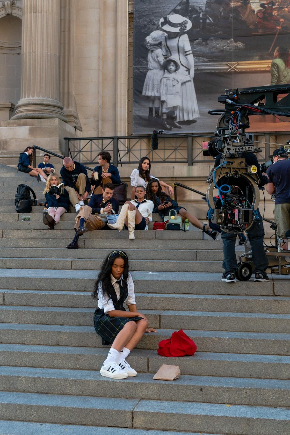 gossip girl cast filming at the met