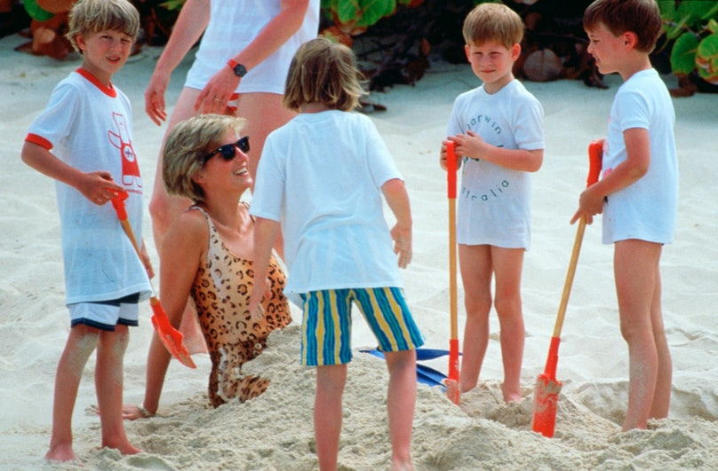 Princess Diana buried in the sand