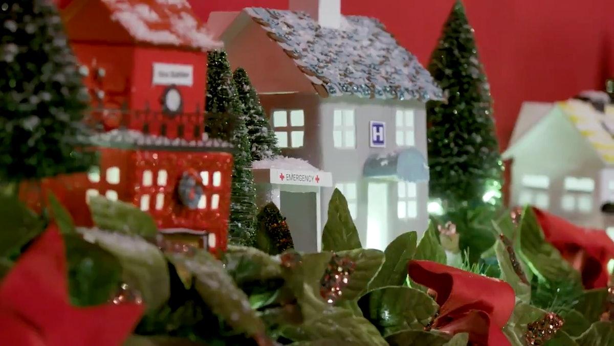 A close-up of Melania Trump's Christmas decorations