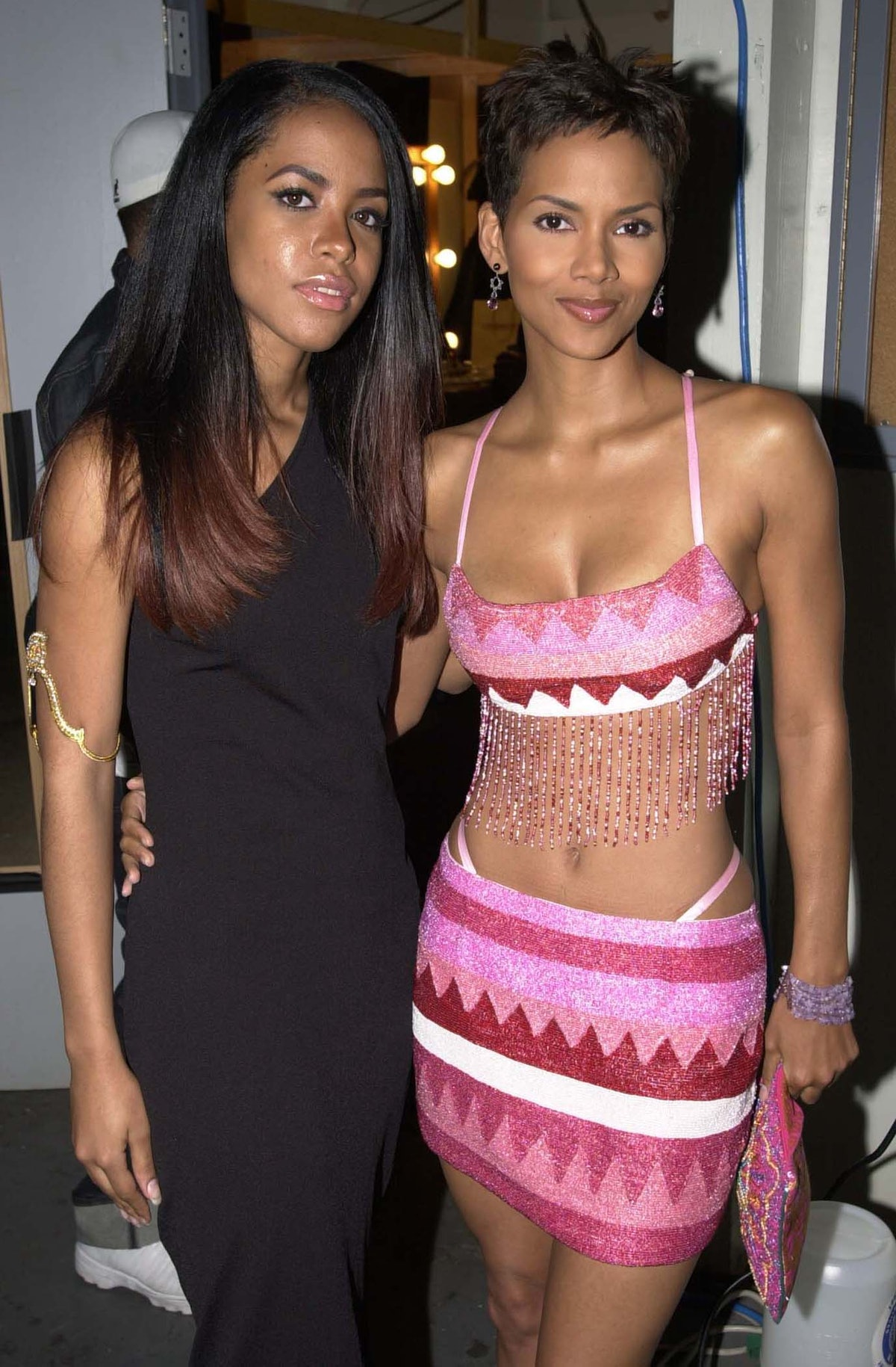 Aaliyah and Halle Berry during 2000 MTV Movie Awards