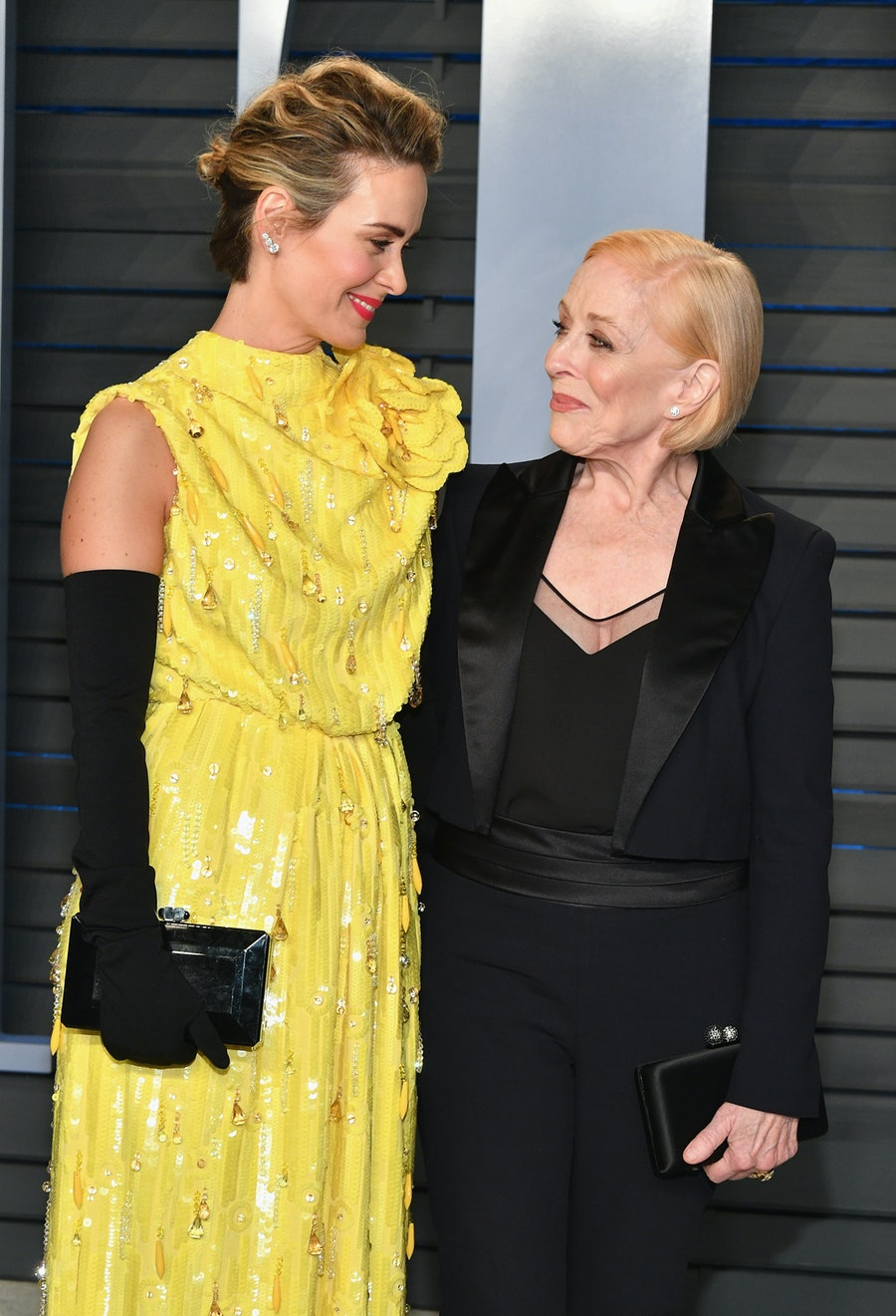 Sarah Paulson and Holland Taylor being love birds