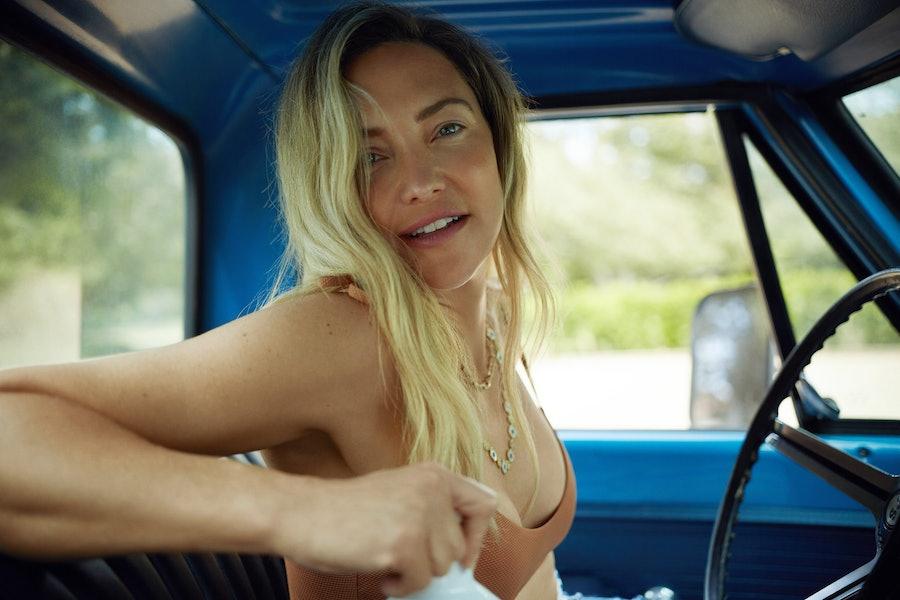 Kate Hudson in a car