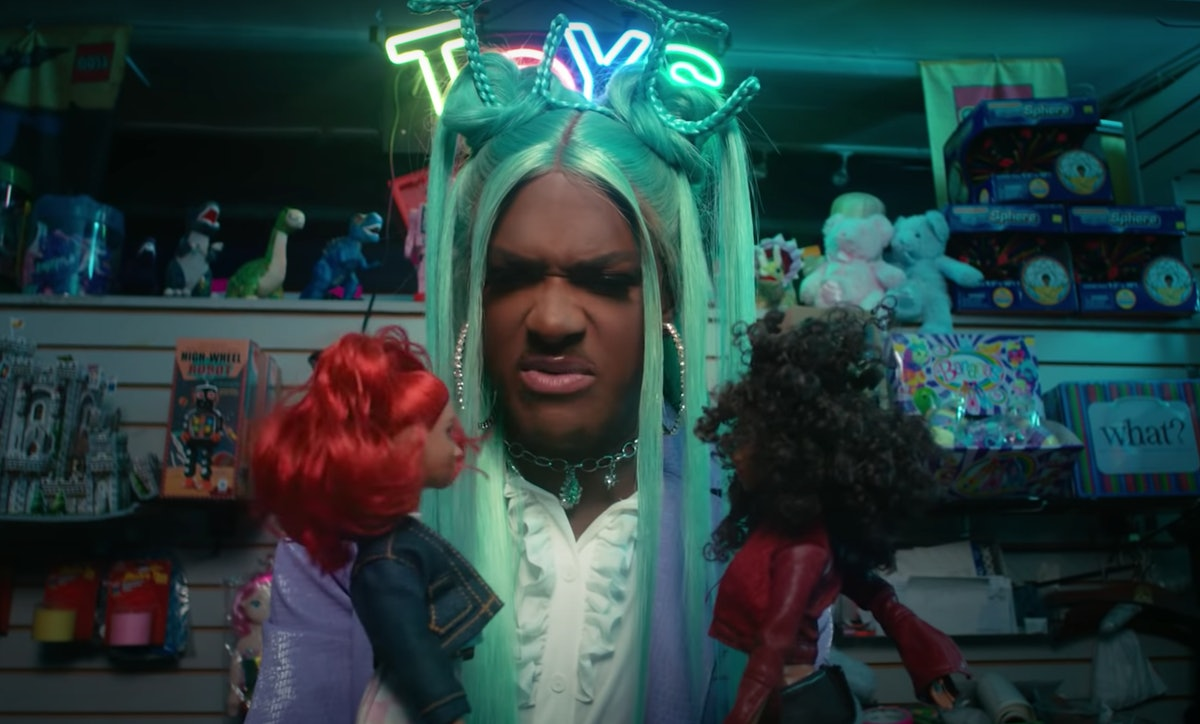 """Kwaylon Rogers in the """"Cry Baby"""" music video"""