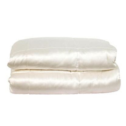 100% Hypoallergenic Silk Filled Comforter