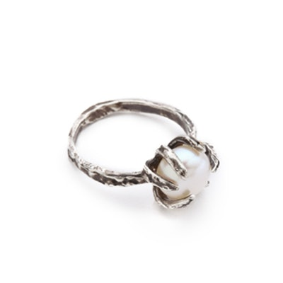 Claw Pearl Ring