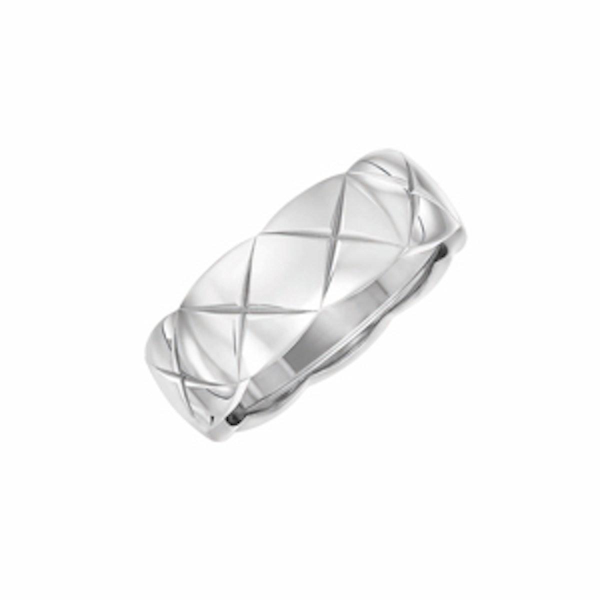 Small 18-karat White Gold Ring